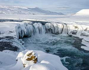 Godafoss in Island im Winter
