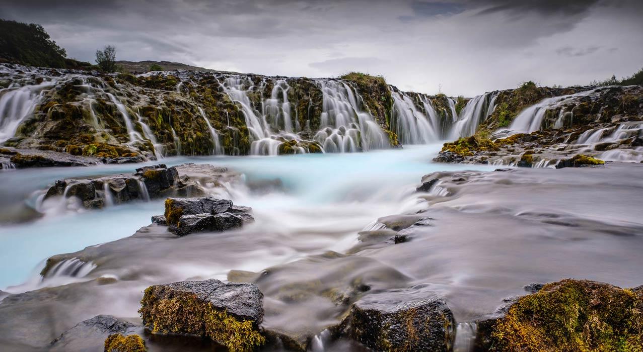 Ein Wasserfall in Westisland, der während der Fotoreise in Nord-West-Island fotografiert wurde