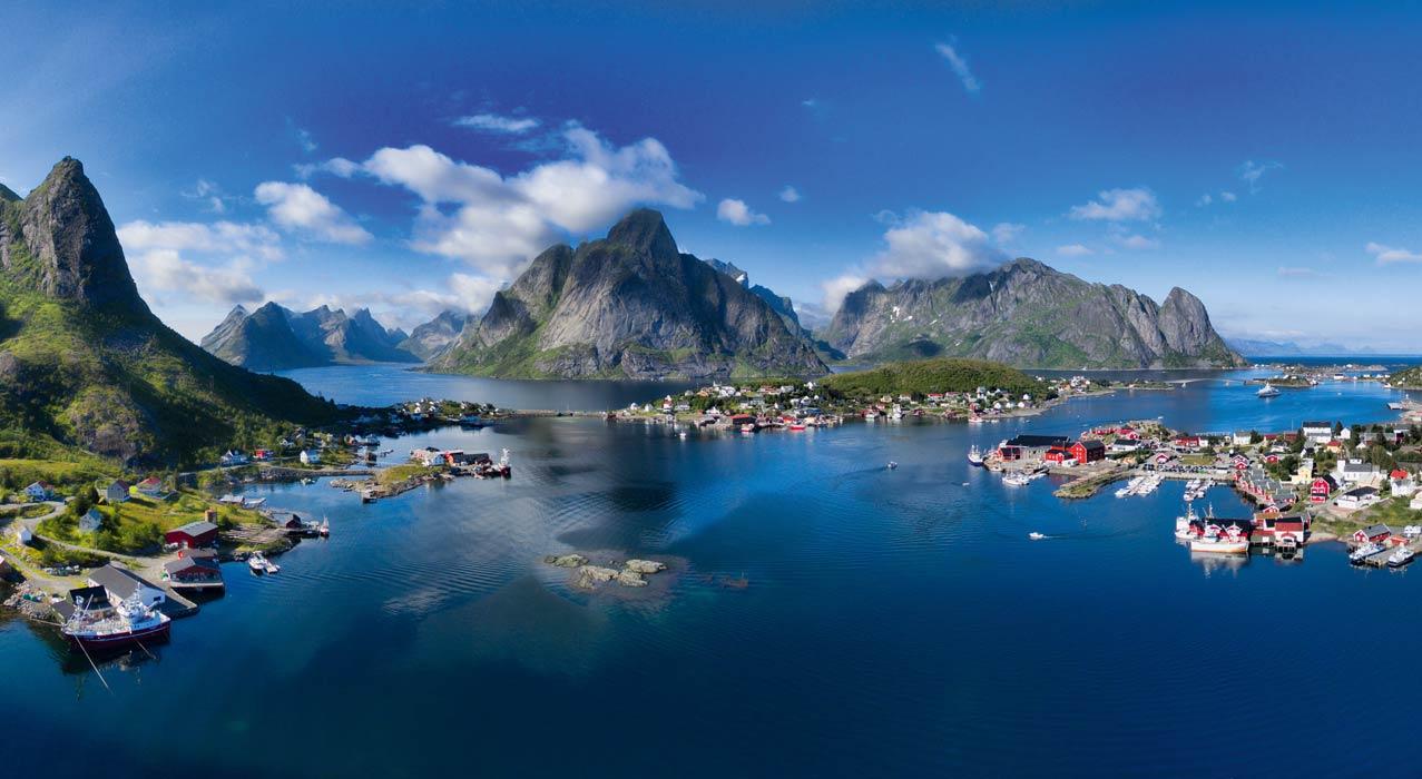 Die einmaligen Berge und Orte auf den Lofoten in Norwegen begeistern jeden Reisenden